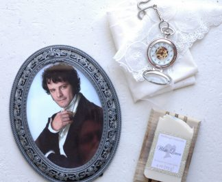 White Linen bar soap is what every girl needs--an reminder of the scene in Pride and Prejudice where a dripping Darcy meets Elizabeth Bennet at Pemberley. Smells just like a clean white shirt! The perfect Jane Austen gift for a Lady.