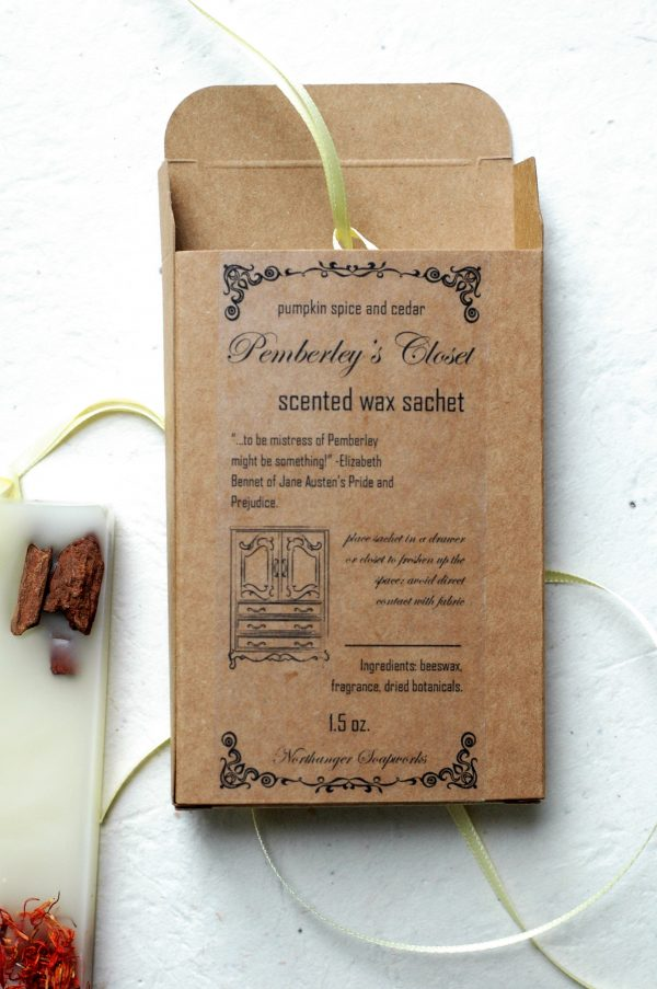 This autumnal Pemberley's Closet sachet has all the seasonal feels with cinnamon, pumpkin, and cedarwood! Put this in your closet or drawer to freshen up the space. The perfect gift for the bibliophile or Jane Austen lover.