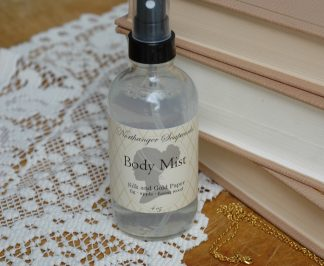 Your favorite Silk and Gold Paper scent is now available as a body mist! Housed in an elegant glass mist bottle.
