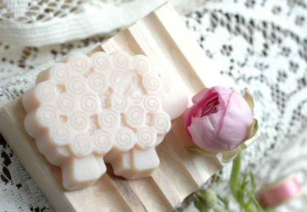 These sweet cherry blossom scented sheep have witnessed most of Jane Austen's love stories as they live on many of England's estates in the Regency era. Even Jane Austen's own father kept sheep! The perfect Jane Austen gift for a lady.